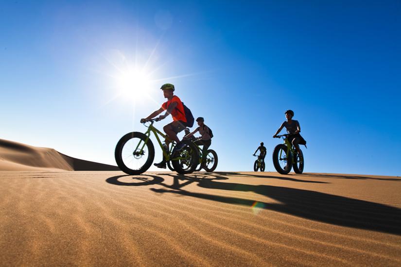 Namibi, groupe en fatbikes dans les dunes