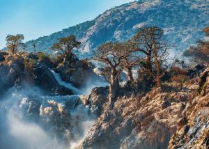 Namibie, les chutes d'Epupa sur le fleuve Kunene au nord à la frontière angolaise.