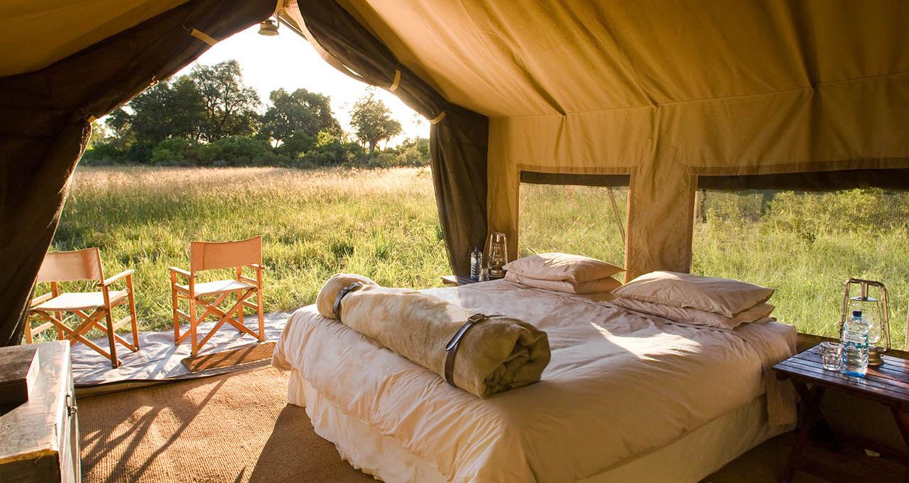 Botswana, parc national de Chobe, intérieur d'une tente haut de gamme d'un safari en camp mobile