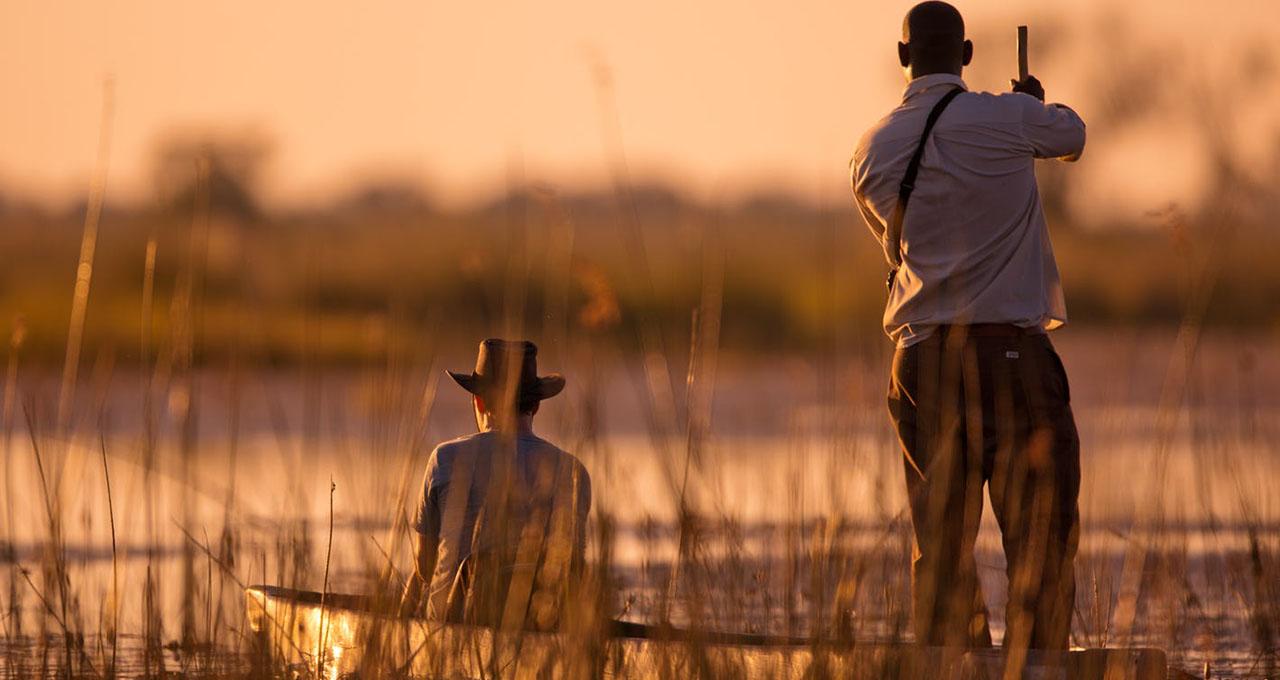 Botswana, excursion au petit matin privée en mokoro dans le delta de l'okavango